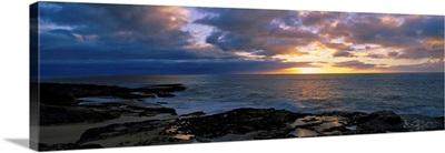 Sunset over the ocean, Makaha Beach Park, Oahu, Hawaii