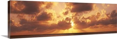 Sunset ovr Caribbean Sea fr 7 Mile Beach Cayman Islands