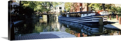 Tourboat in the canal, Georgetown, Washington DC