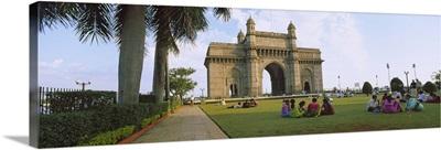 Tourist in front of a monument, Gateway Of India, Mumbai, Maharashtra, India