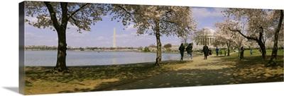 Tourists at a memorial, Jefferson Memorial, Washington DC
