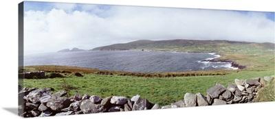 UK, Ireland, Kerry County, Rocks on Greenfields
