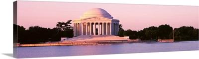 Washington DC, Jefferson Memorial, Building at the waterfront