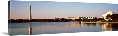 Washington DC, Washington Monument and Jefferson Memorial, Reflection of buildings in the river