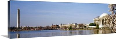 Washington DC, Washington Monument and Jefferson Memorial, Tourists outside the memorial