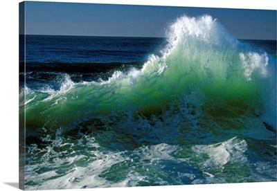 Wave crashing on Pacific Coast, Oregon, united states,