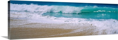 Waves crashing on the beach, Kauai, Hawaii