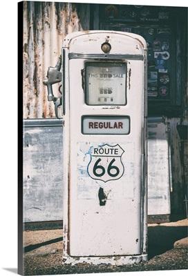American West - Regular 66 Gas Station