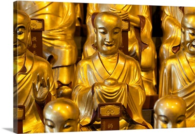 Gold Buddhist Statues in Longhua Temple