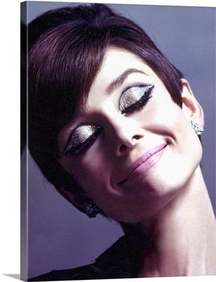 Audrey Hepburn Colored Sparkle Eye Shadow