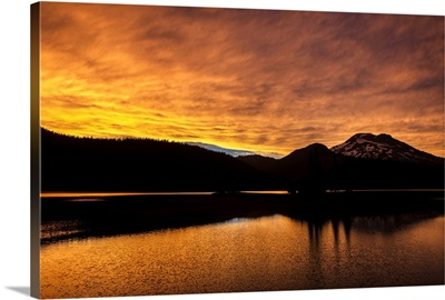 Dramatic Sunset At Deschutes National Forest, Bend, Oregon