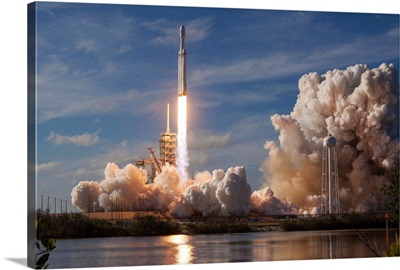 Falcon Heavy Demo Mission Launch, Kennedy Space Center, Florida
