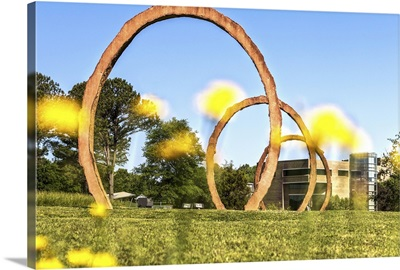 Gyre, large scale sculpture at the North Carolina Art Museum