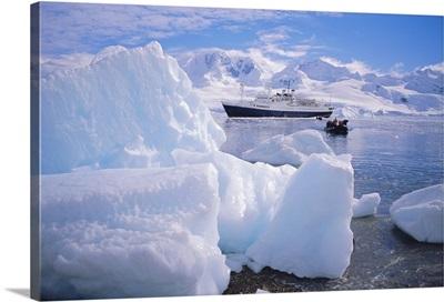 Antarctica, Antarctic Peninsula, Cruise Ship Endeavour