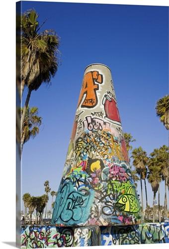 Art Walls, legal graffiti, on Venice Beach, Los Angeles, California ...
