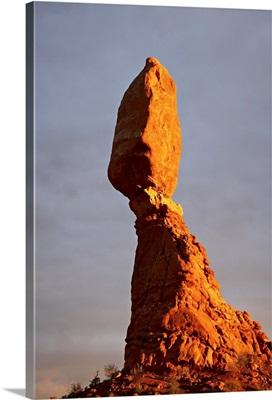 Balanced Rock at sunset, Arches National Park, Utah, USA
