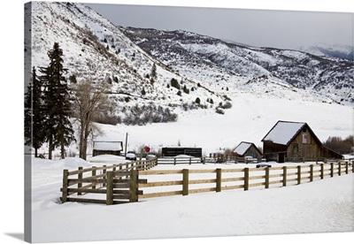 Barn near Snowmass Village, Aspen region, Rocky Mountains, Colorado