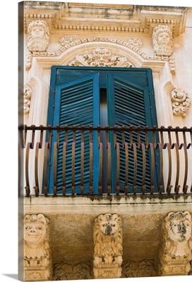 Baroque balcony, Palazzo Nicolaci, Noto, Sicily, Italy