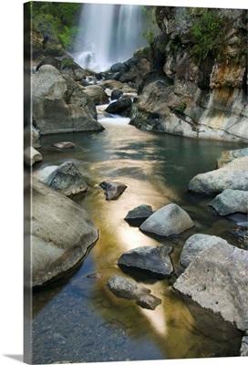 Bomod (Big) Waterfall, Banga-an, near Sagada Town, Philippines, Asia