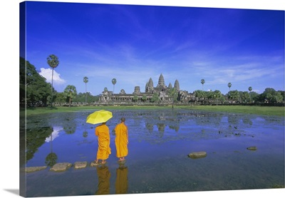 Buddhist monks standing in front of Angkor Wat, Angkor, Siem Reap, Cambodia