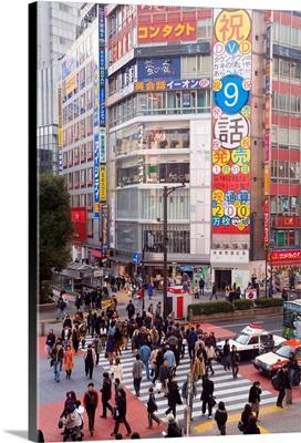 Busy intersection in Shibuya, Tokyo, Honshu, Japan, Asia