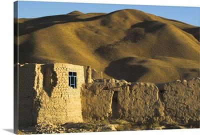 Caravanserai, Daulitiar, between Yakawlang and Chakhcharan, Afghanistan