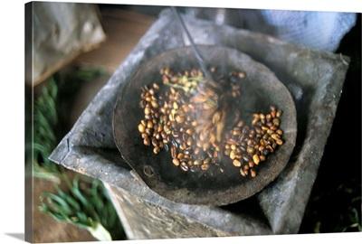 Coffee ceremony, Lalibela, Wollo region, Ethiopia, Africa