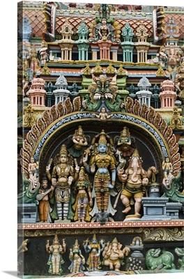 Detail of Hindu carvings, Sri Meenakshi Sundareshwara Temple, Madurai, Tamil Nadu, India