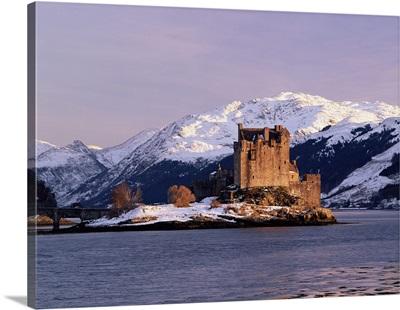 Eilean Donan castle in winter, Dornie, Highlands, Scotland