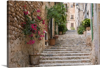 Flight of steps in the heart of the village Fornalutx, Mallorca, Balearic Islands, Spain