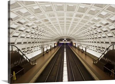 Foggy Bottom Metro station platform, Washington D.C