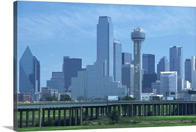 Freeway bridge over the Dallas River floodplain, and skyline, Dallas, Texas, USA