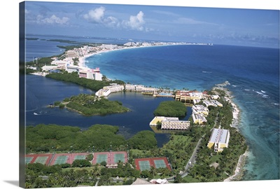 Hotel area of Cancun, Cancun, Yucatan, Mexico, North America