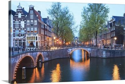 Keizersgracht and Leidsegracht canals at dusk, Amsterdam, Netherlands