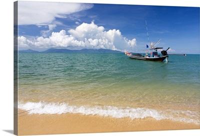 Maenam Beach on the North Coast of Koh Samui, Thailand