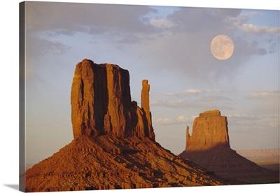 Mitten Butte Rocks, Monument Valley, Arizona