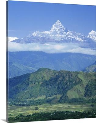 Mt Machhapuchhare (Machapuchare) (Fish Tail), the Himalayas, Nepal