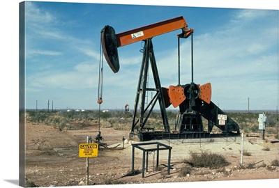 Oil well pump, near Odessa, Texas, USA