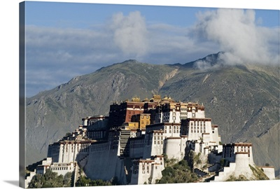 Potala Palace, former palace of the Dalai Lama, Lhasa, Tibet, China, Asia