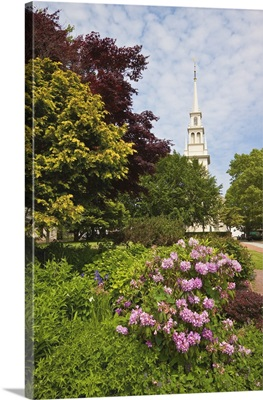Queen Anne Square and Trinity Church dating from 1726, New England, USA