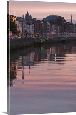 River Liffey at dusk, Ha'penny Bridge, Dublin, Republic of Ireland