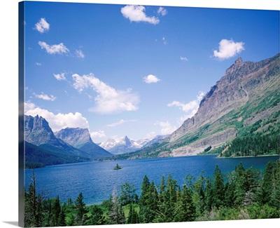 St. Mary Lake and Wild Goose Island, Glacier National Park, Rocky Mountains, Montana