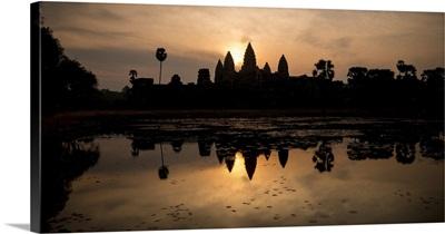 Sunrise over Angkor Wat, Angkor, Siem Reap, Cambodia