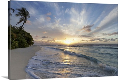 Sunrise Over The Indian Ocean, Northern Huvadhu Atoll, Maldives, Indian Ocean