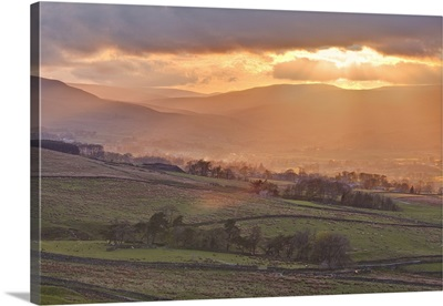 Sunset over Askrigg Common in the Yorkshire Dales, Yorkshire, England