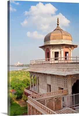 Taj Mahal, across the Jumna River from the Red Fort, Agra, Uttar Pradesh state, India