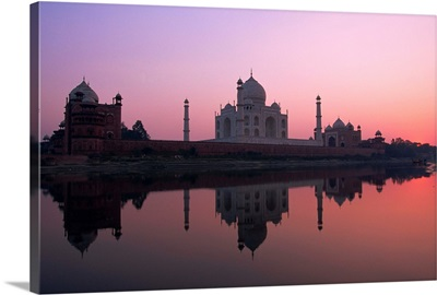 Taj Mahal at sunset, Agra, Uttar Pradesh state, India, Asia
