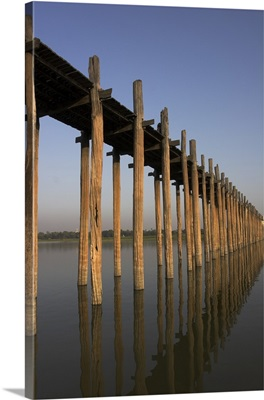Taungthaman Lake, U Bein's Bridge, Amarapura, Mandalay, Myanmar (Burma)