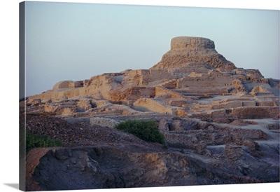 The Citadel with the Buddhist stupa, Mohenjodaro, Sind, Pakistan