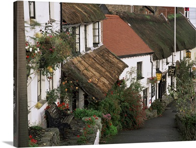 The Rising Sun hotel and thatched buildings, Lynmouth, Devon, England
